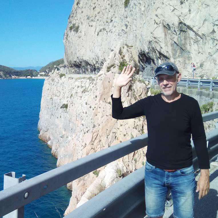 jānis trops par mani vidusjūras krasts itālijā